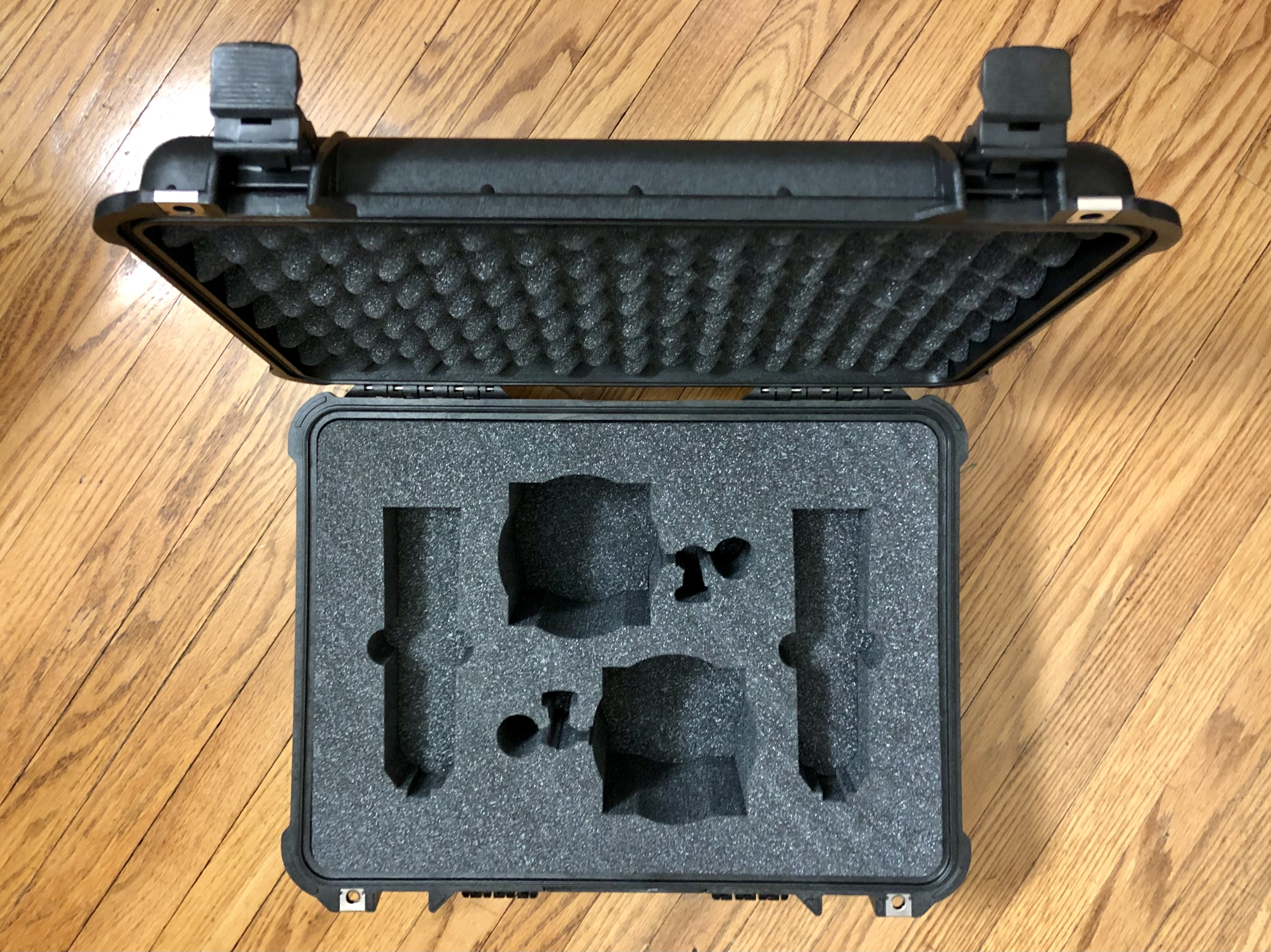 Neumann U87ai Stereo Pair with Shockmounts in Pelican 1520 Case30