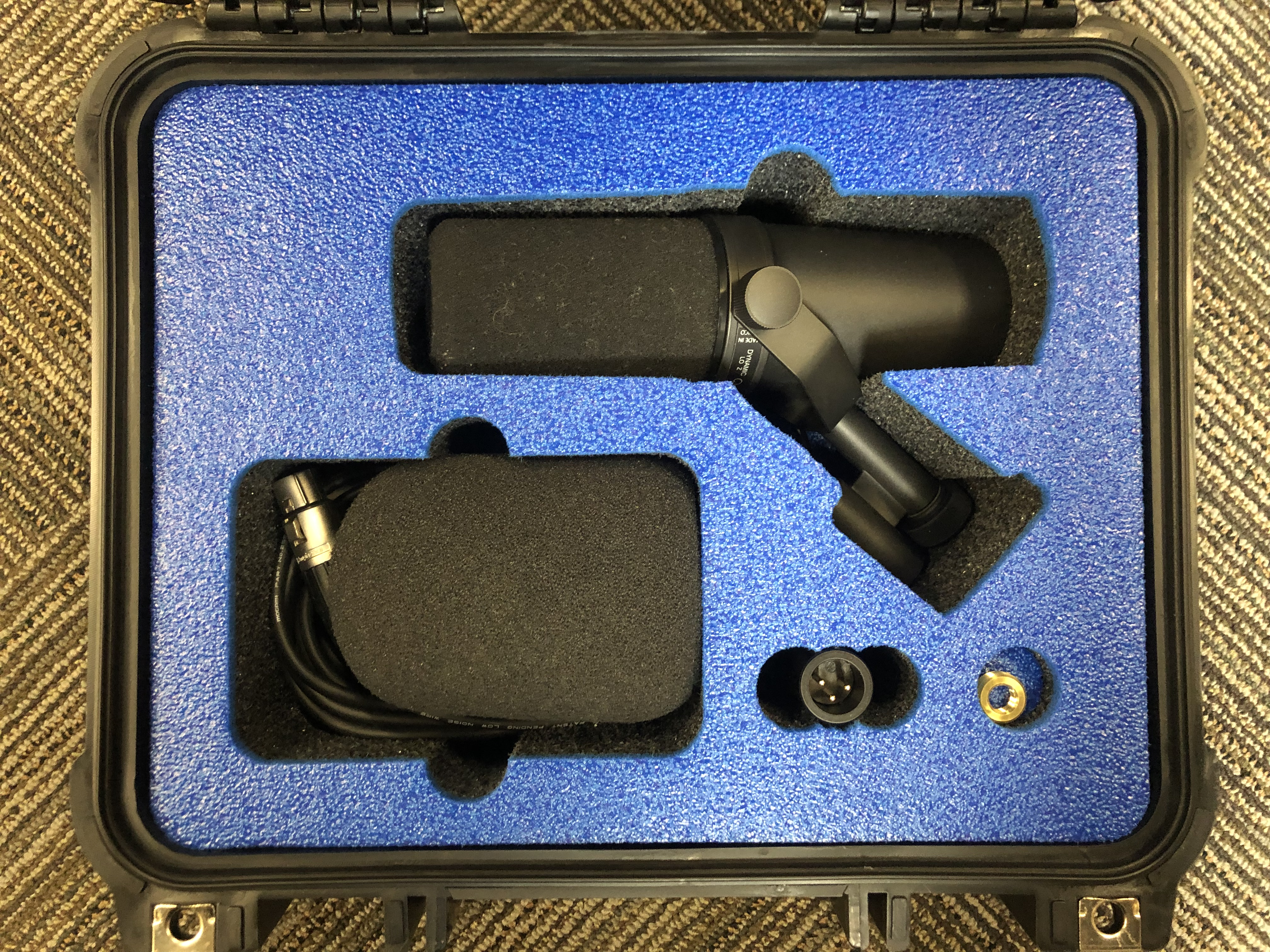 Shure SM7B in a V200 Vault by Pelican User Designed0