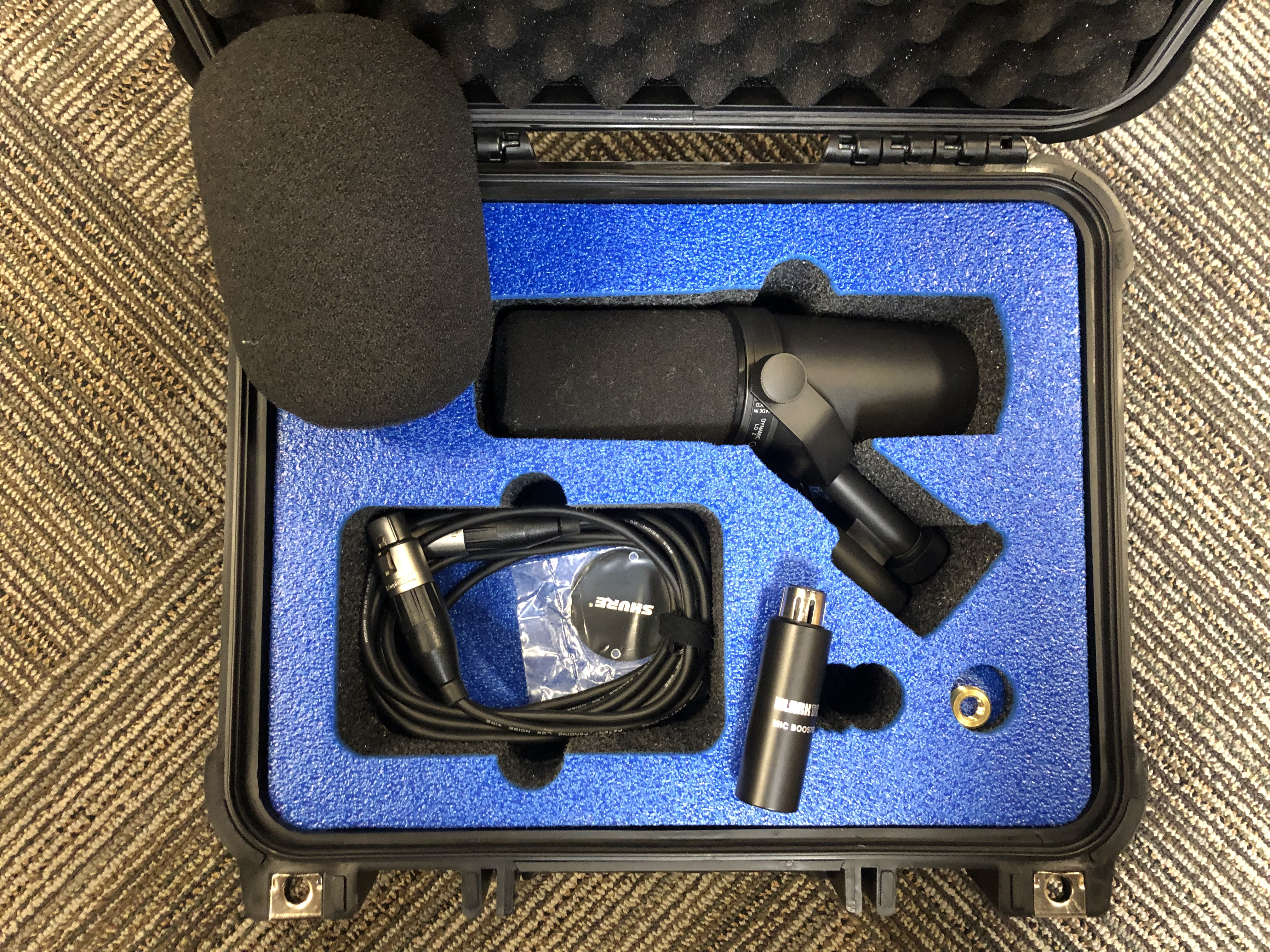 Shure SM7B in a V200 Vault by Pelican User Designed10